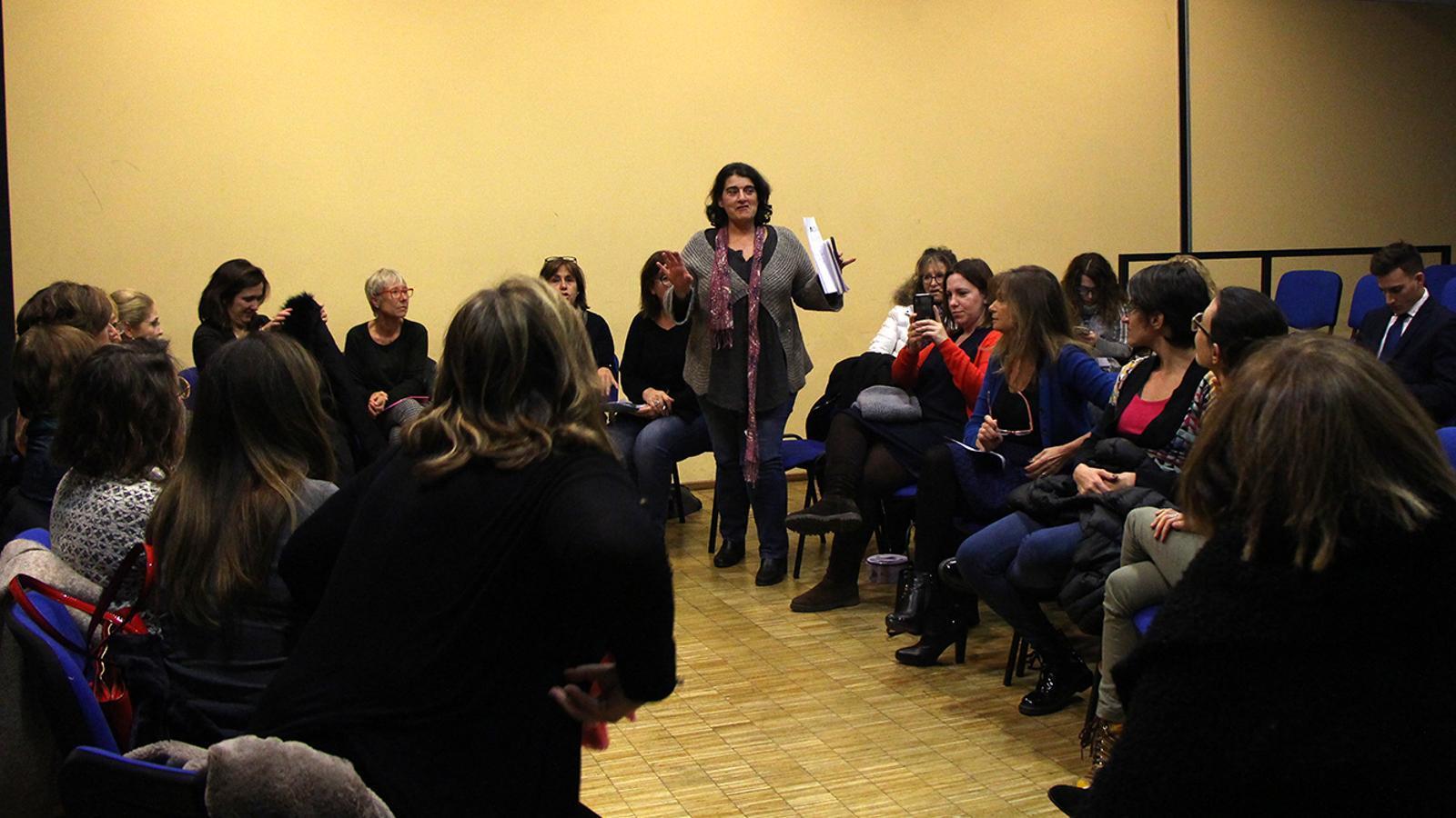 Un moment de l'assemblea constituent d'Acció Feminista d'Andorra. / M. F.