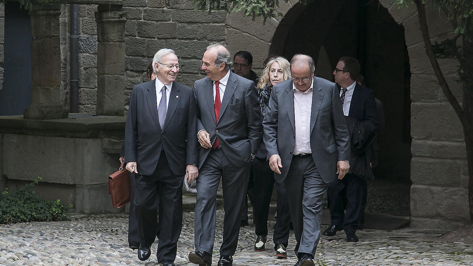 El Govern desbloqueja la renovació de les cambres catalanes