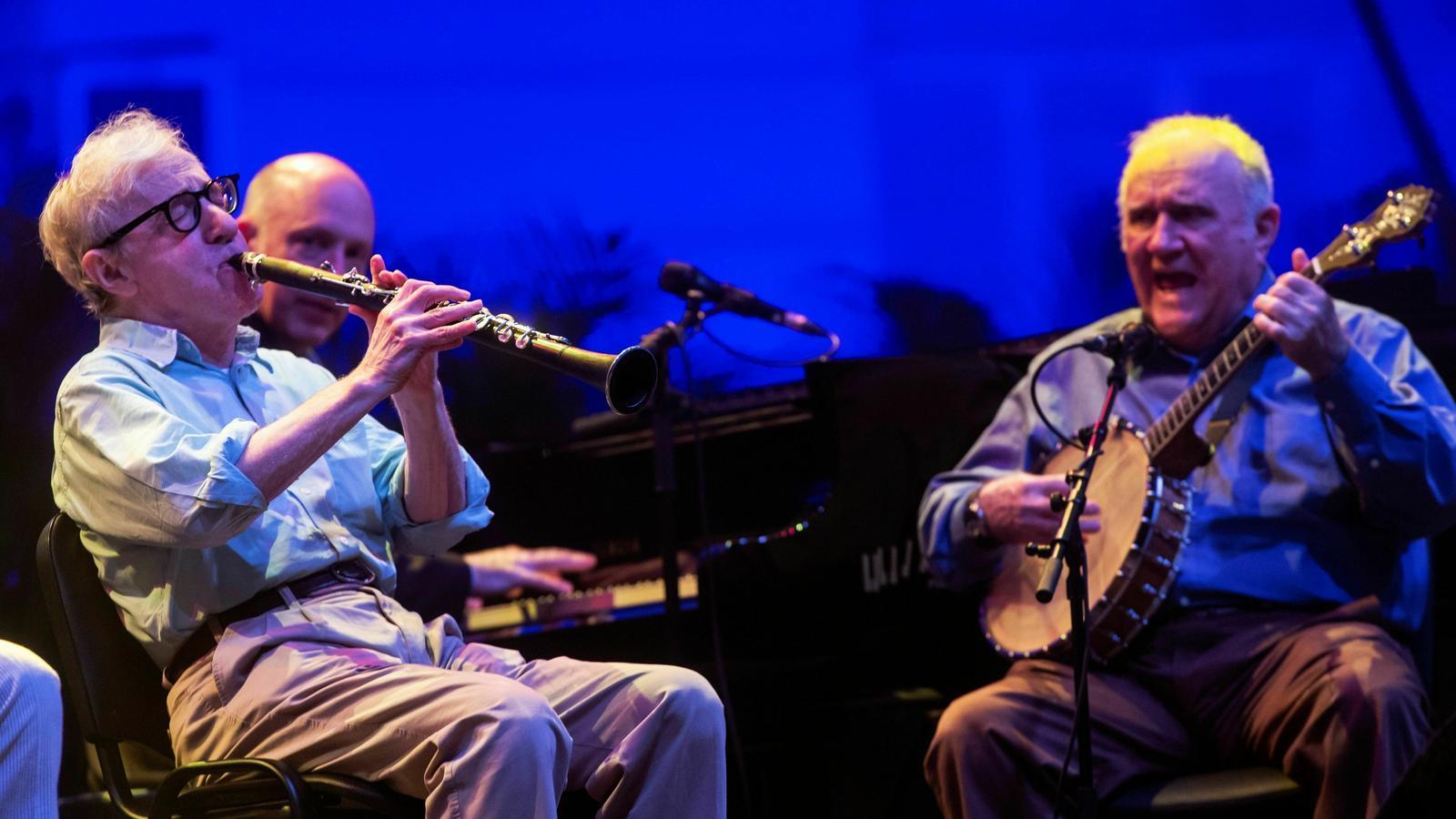Woody Allen durant l'actuació de la The Eddy Davis New Orleans Jazz Band al Festival de Pedralbes