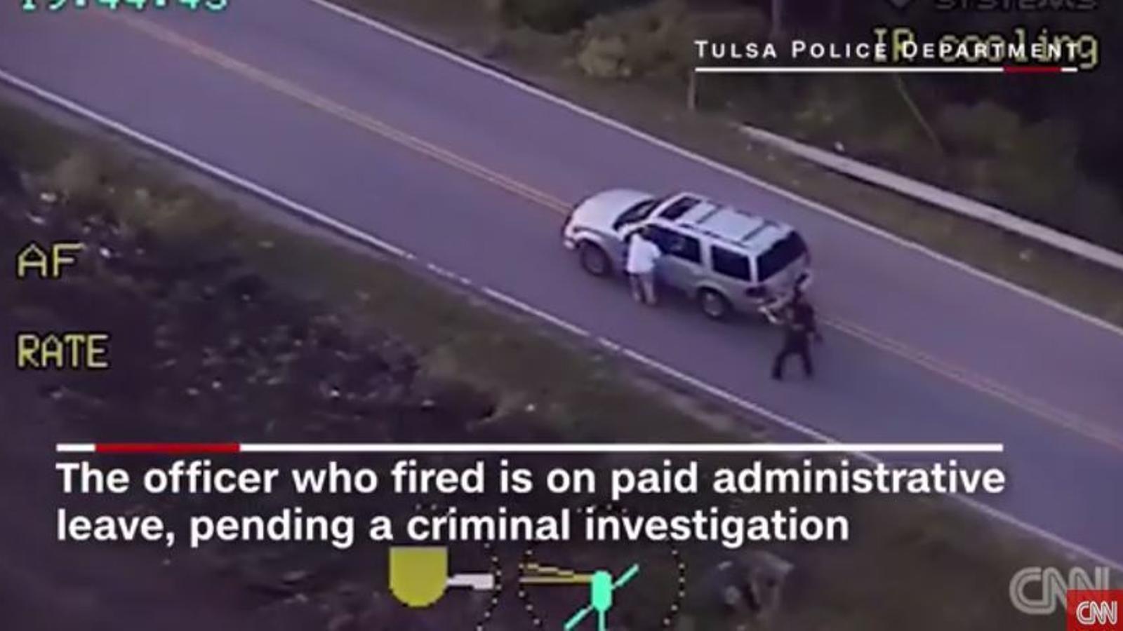 Un policia nord-americà mata un home negre desarmat al qual se li havia avariat el cotxe