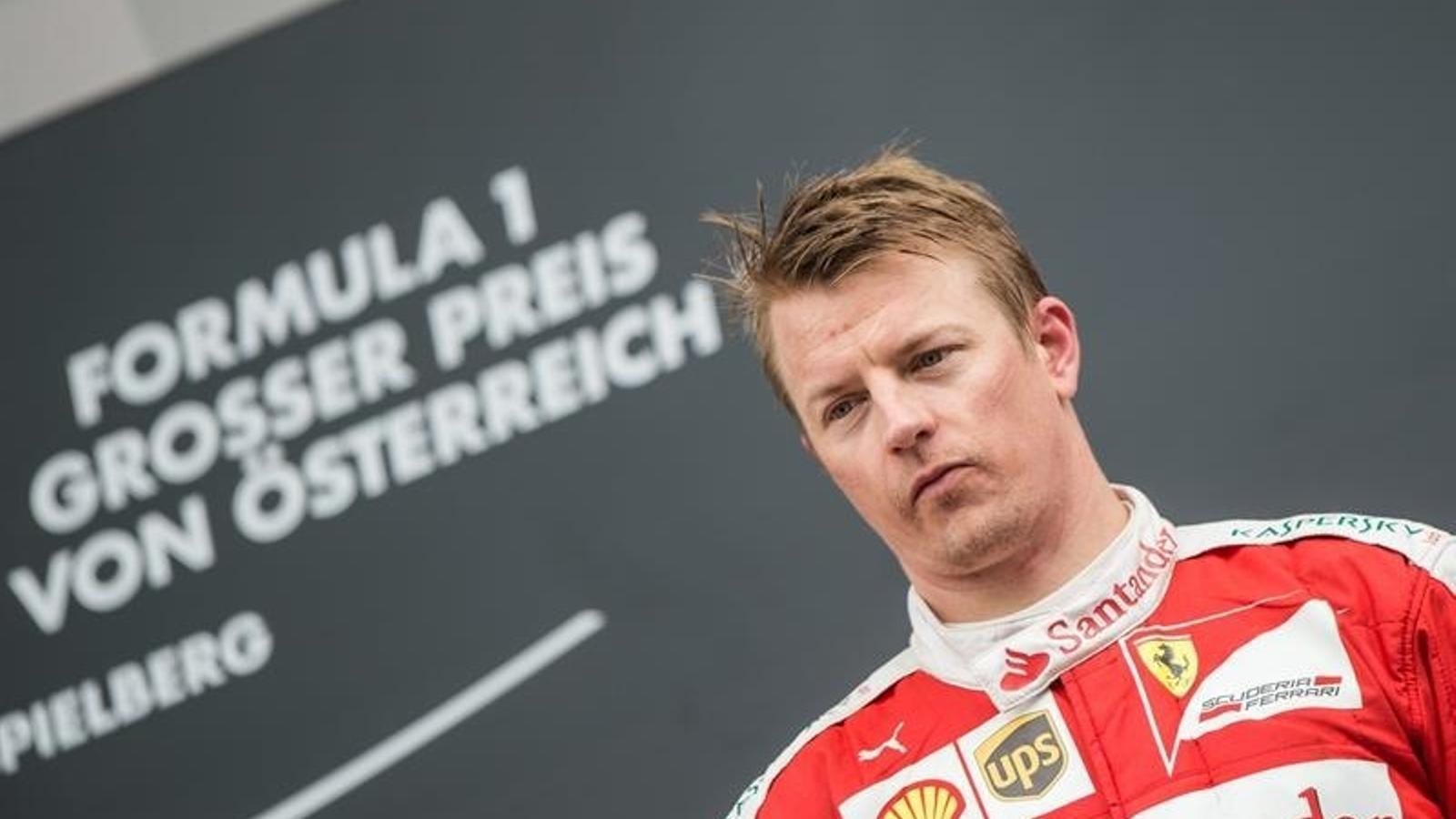 Kimi Räikkönen en el podi de l'últim Gran Premi d'Àustria