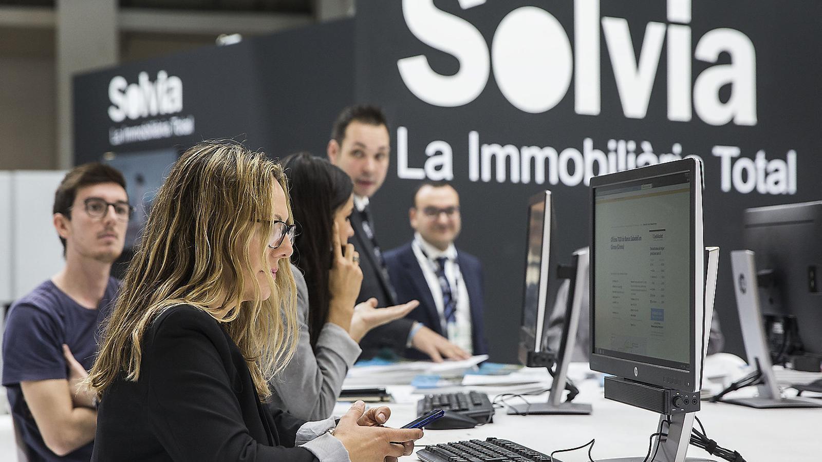 El Sabadell allunya encara més  el totxo amb la venda de Solvia