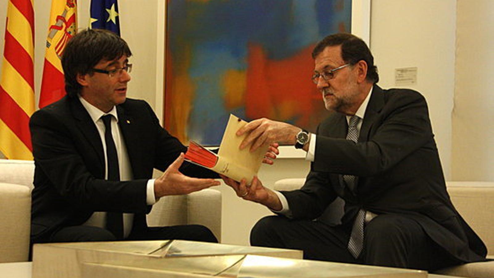 Primera reunió de Rajoy i Puigdemont a la Moncloa