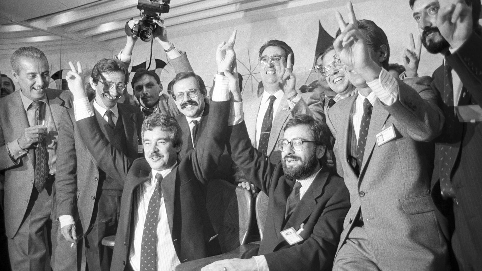 Maragall i Serra a Lausana el 1986, celebrant el triomf de la candidatura Barcelona com a seu per al JJOO