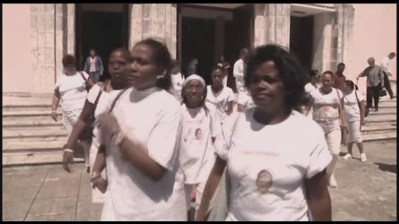 Detenen membres del grup Damas de Blanco a Cuba