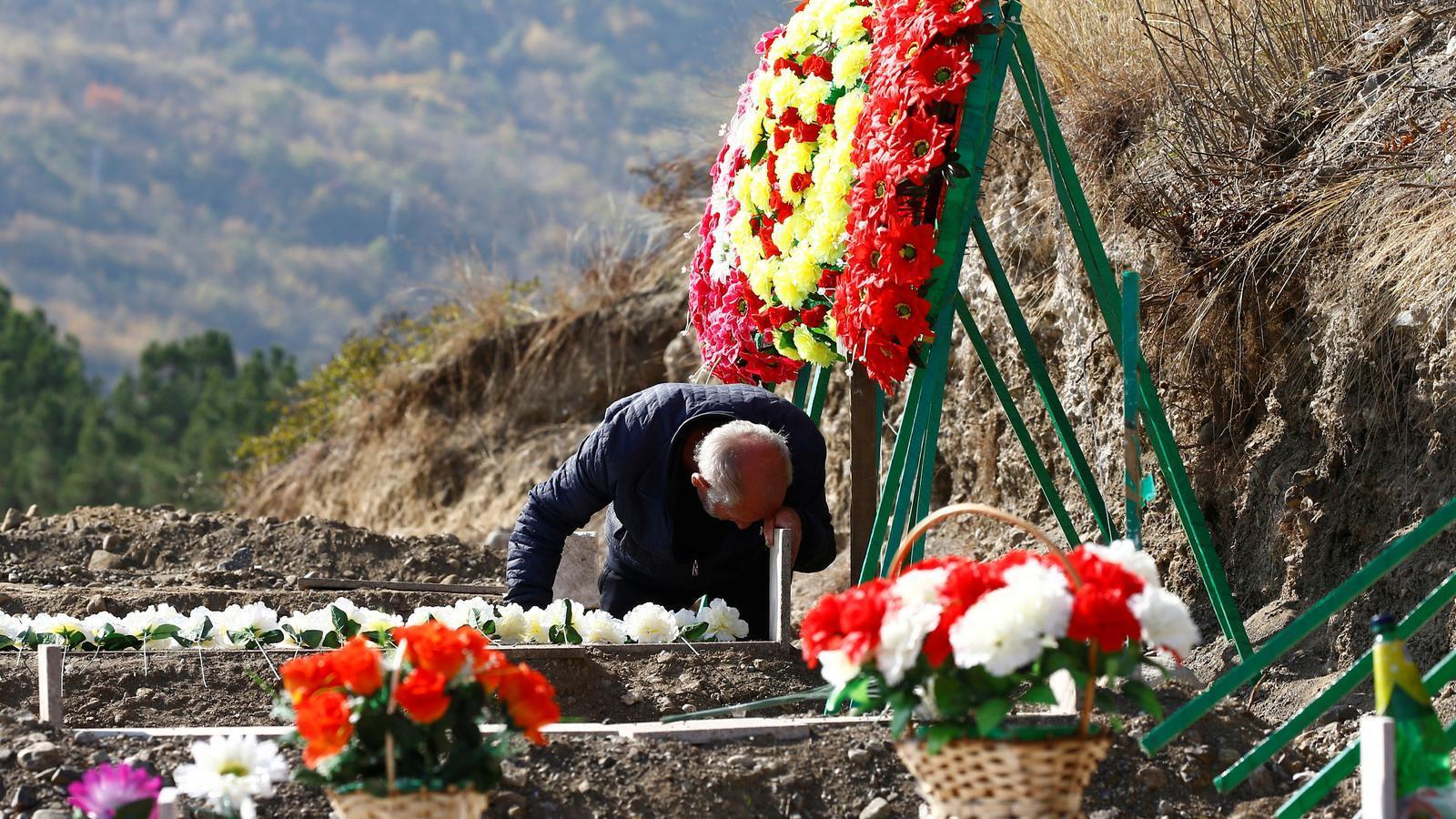 Fugir d'unNagorno-Karabakh que es dessagna per la guerra