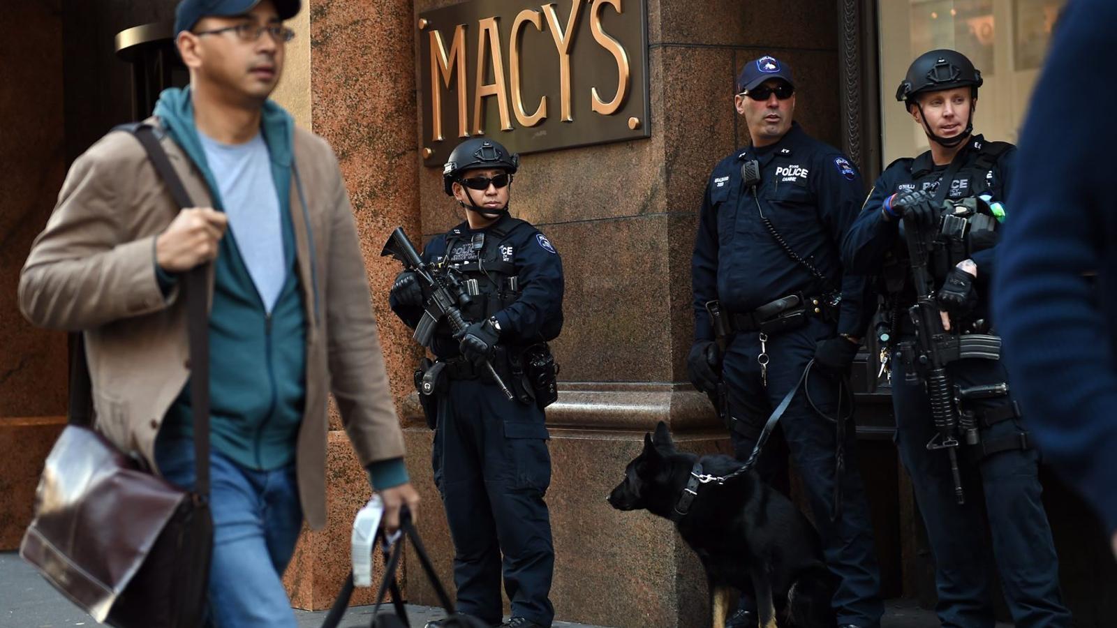 Nova York ha augmentat les seves mesures de seguretat davant dels atacs terroristes a París de la setmana passada.