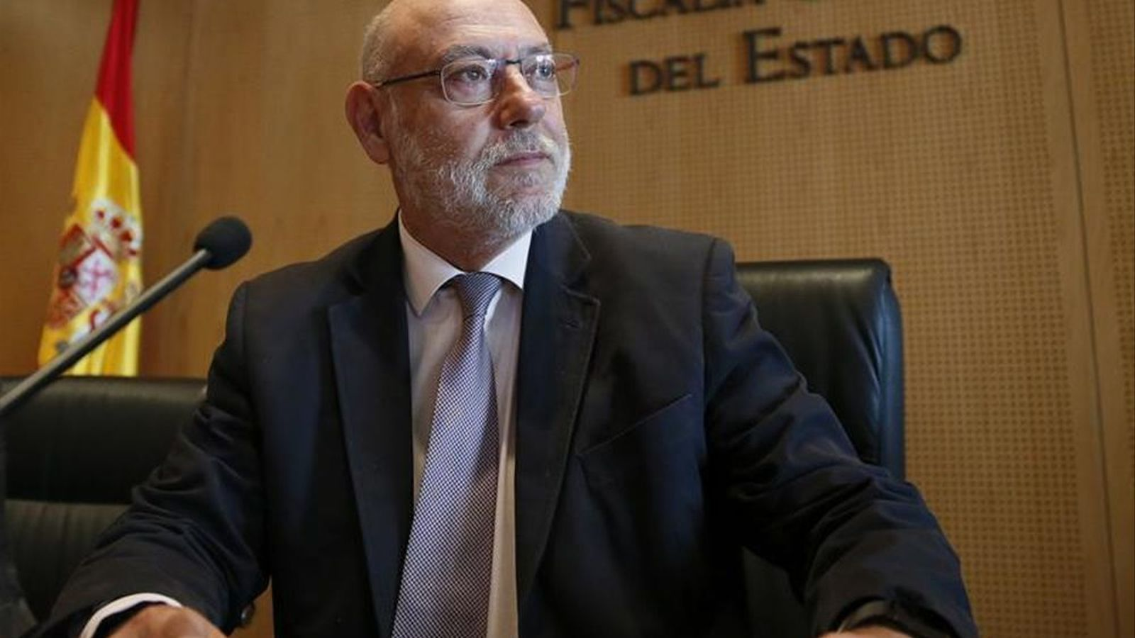 """Maza adverteix que la Fiscalia actuarà """"sense complexes"""" contra els voluntaris del referèndum si s'incompleix la Llei"""