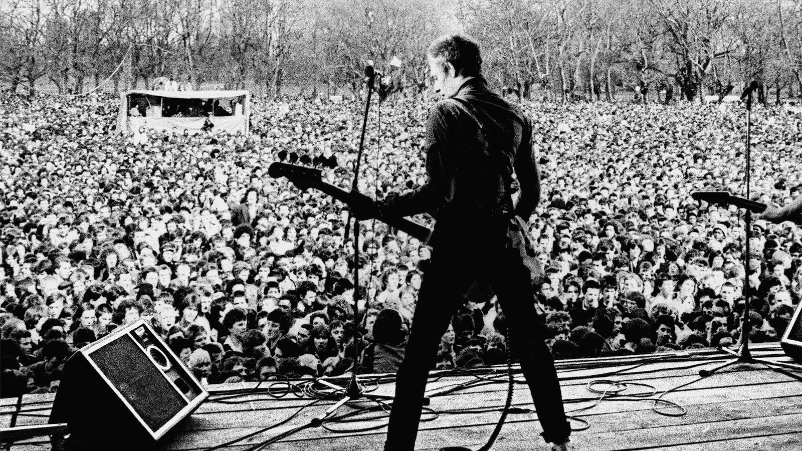 Una imatge de Paul Simonon, de The Clash, al documental 'White riot' que inaugurarà l'edició 2020 del Festival In-Edit.
