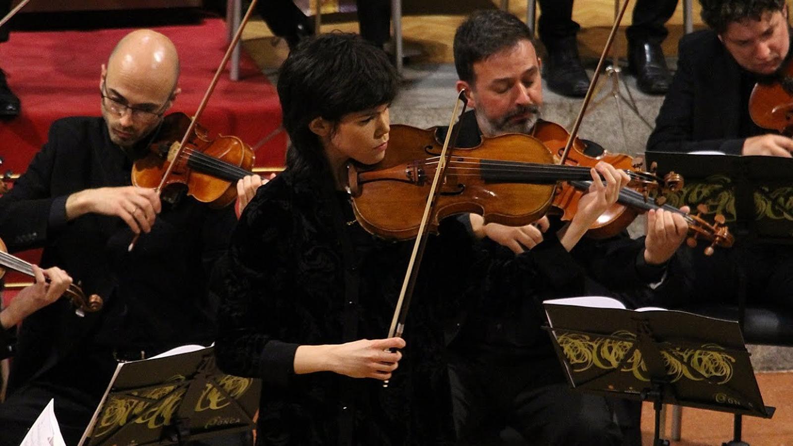 Villanueva i l'ONCA encisen el públic en un concert recital