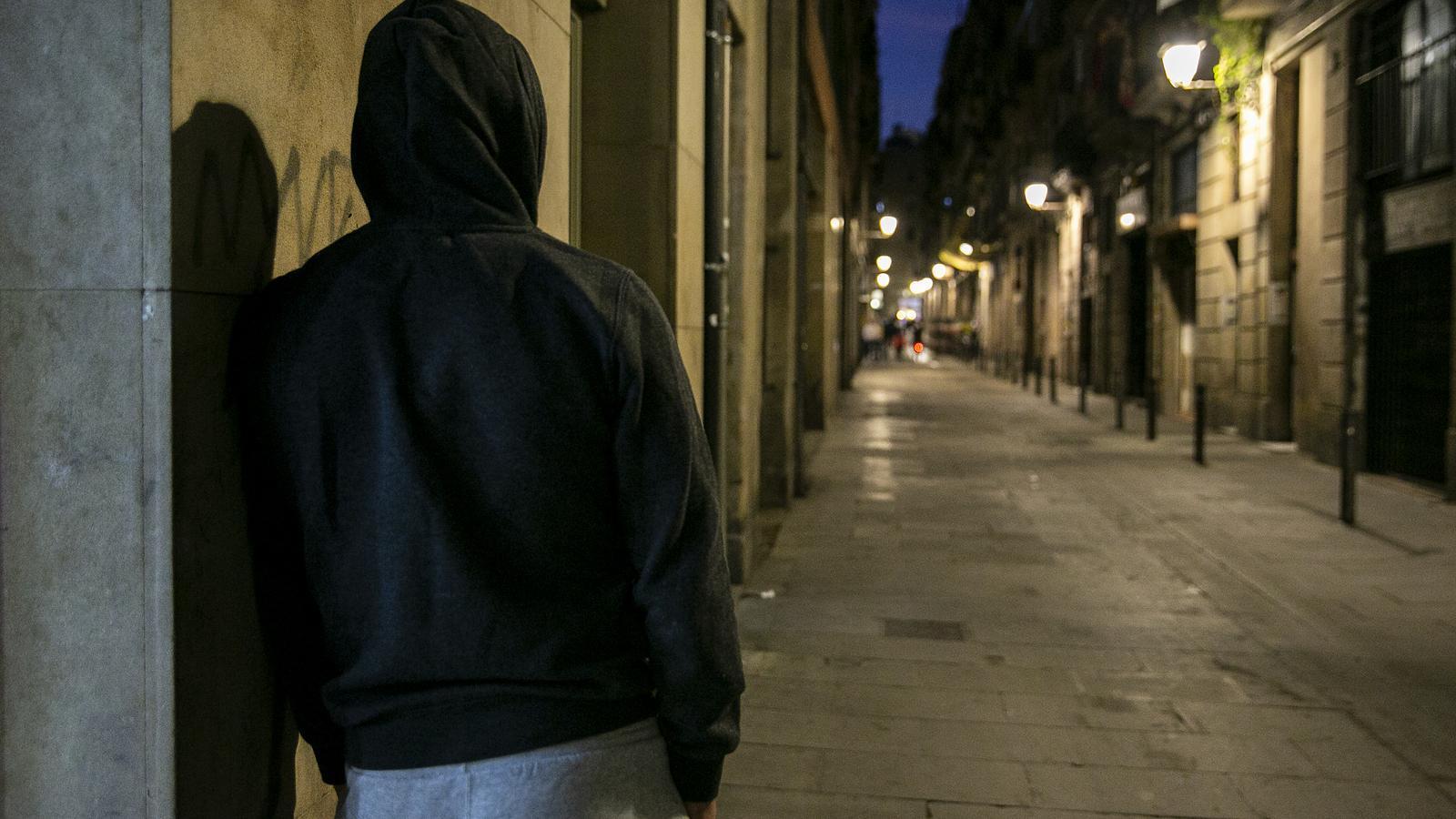 Pare d'una família estafada al lloguer delseu pis barcelona