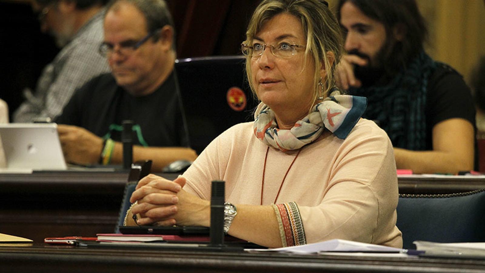 Salut durà endavant el decret de català encara que el Govern Central interposàs un recurs