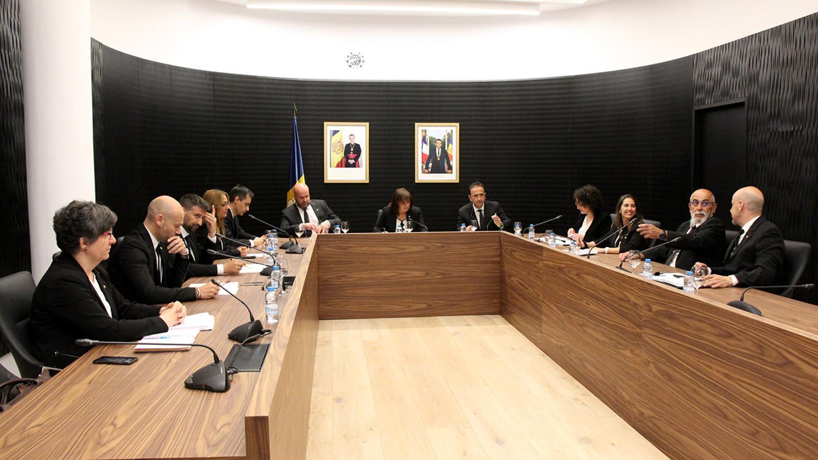 La celebració de la sessió de consell de comú d'Escaldes-Engordany, aquest divendres. / M. M. (AMA)