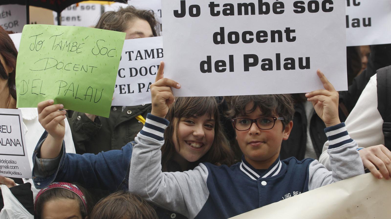 """Primers suports estatals als docents d'El Palau: la CGT denuncia la """"campanya d'atacs"""" als docents catalans"""
