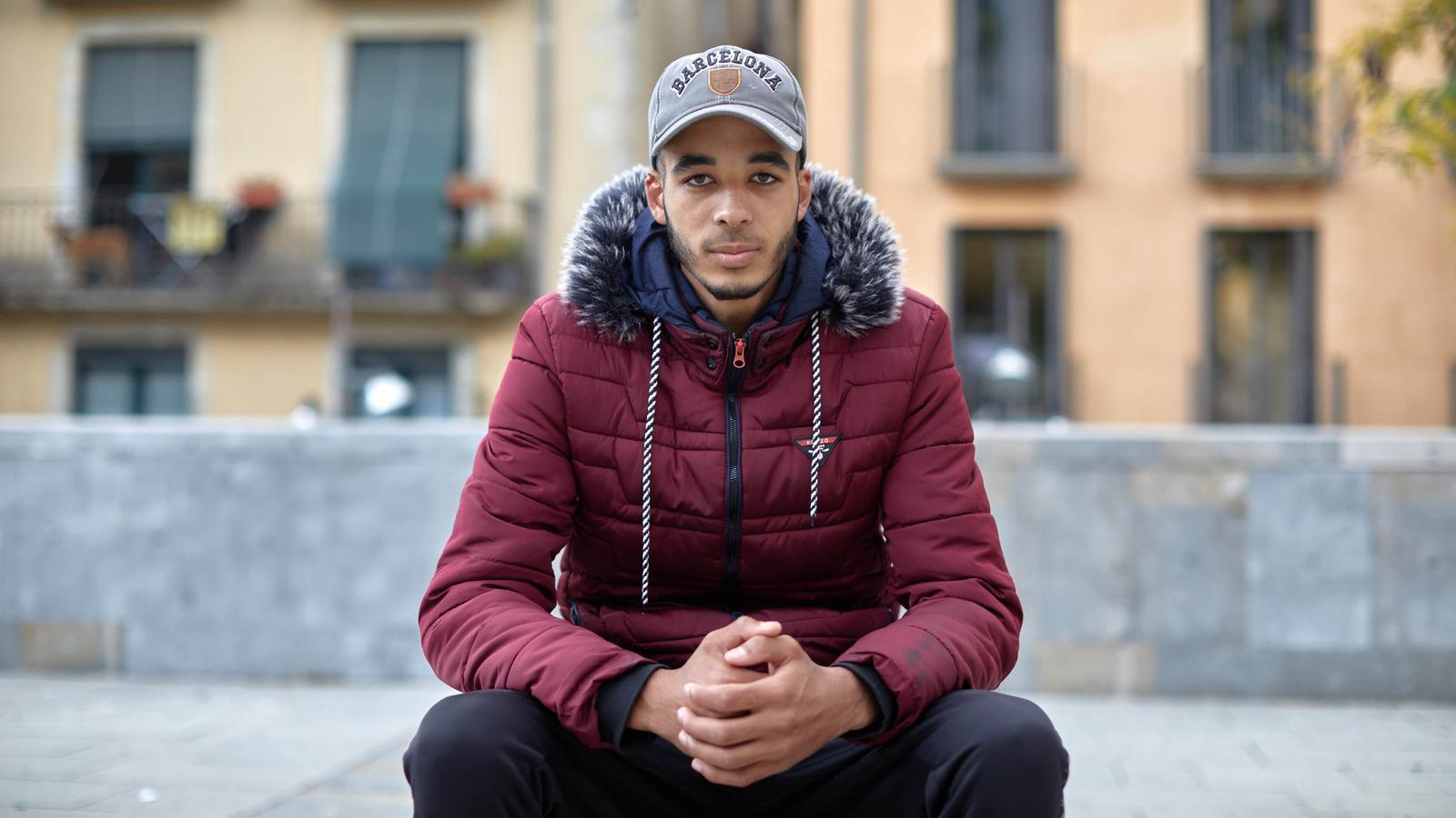Marwan Karhg , que va arribar del Marroc fa un any i mig, està fent un curs de català i un de construcció