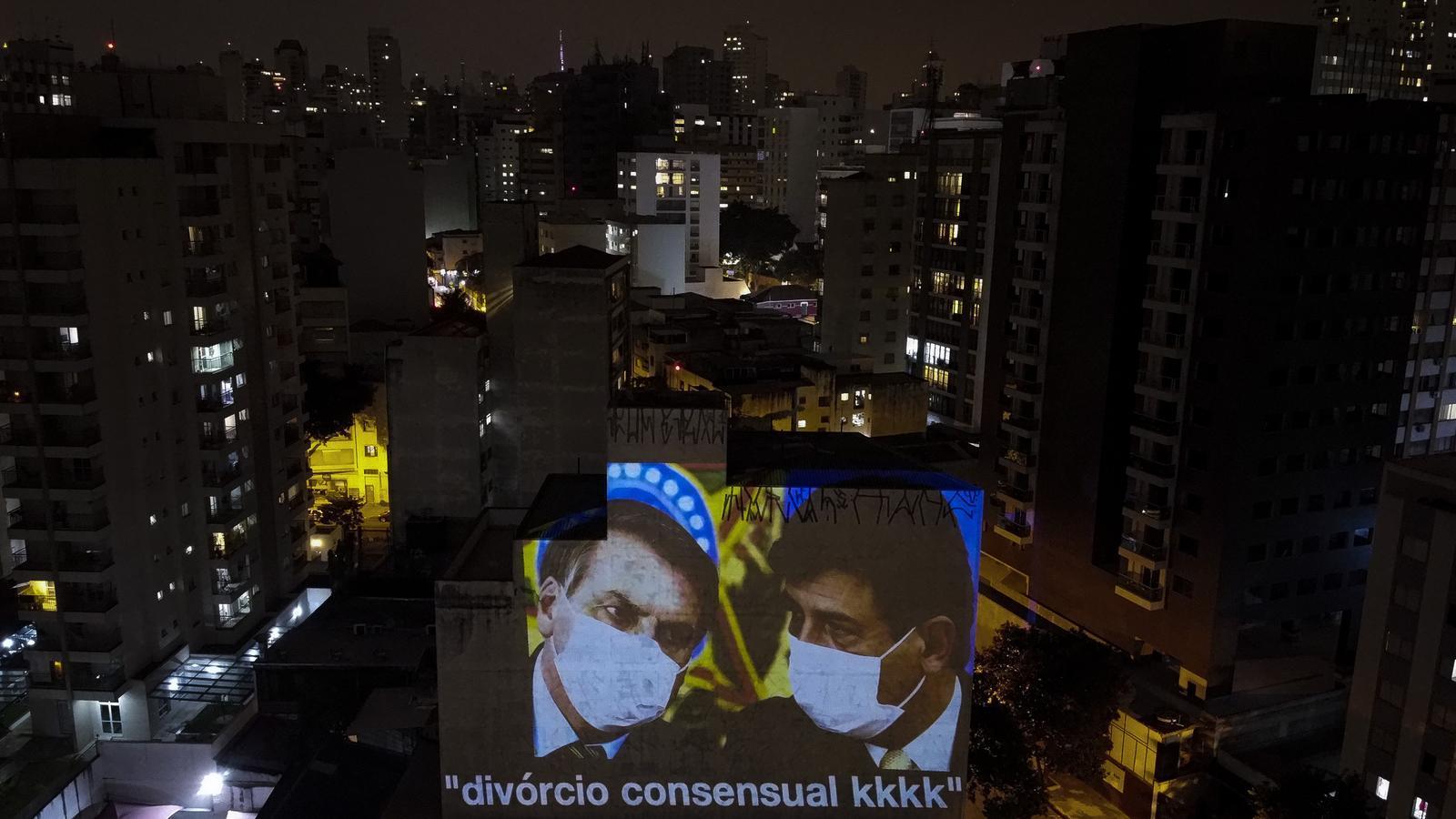 Bolsonaro confia la gestió de la pandèmia a un ministre anticonfinament