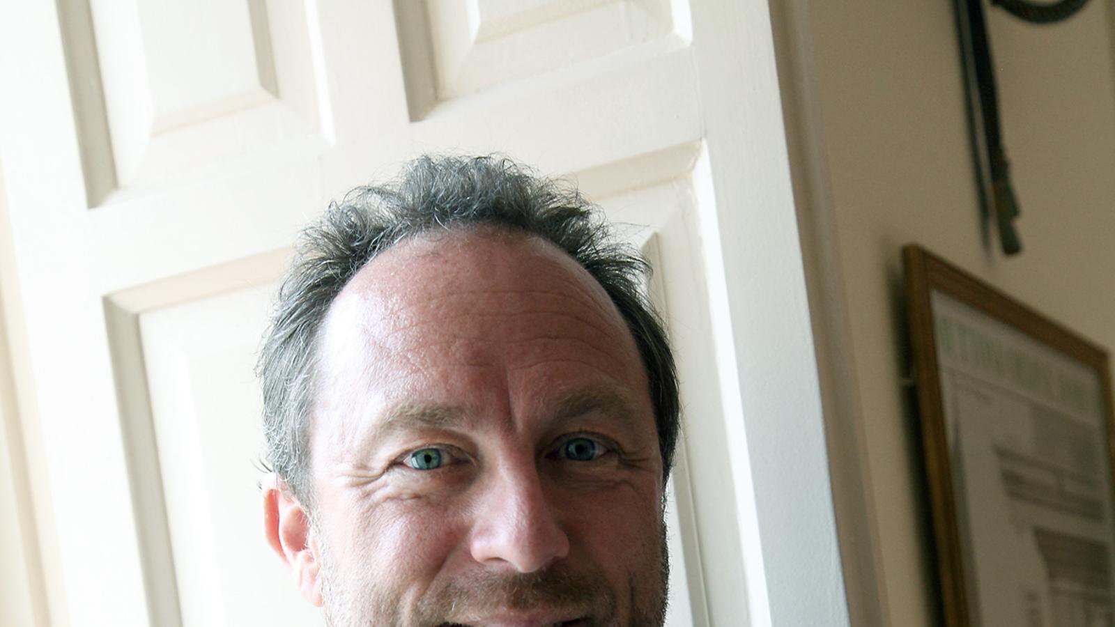 """Jimmy Wales: """"Seria inacceptable que un estudiant universitari cités la Wikipedia"""""""