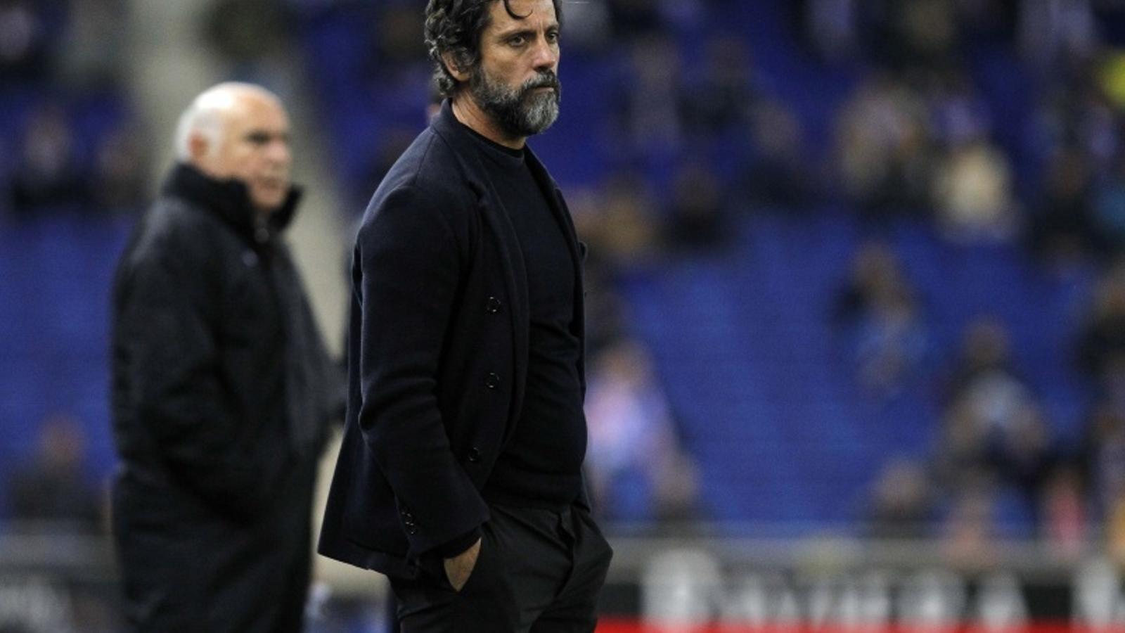 Quique Sánchez Flores, durant un partit a Cornellà-El Prat