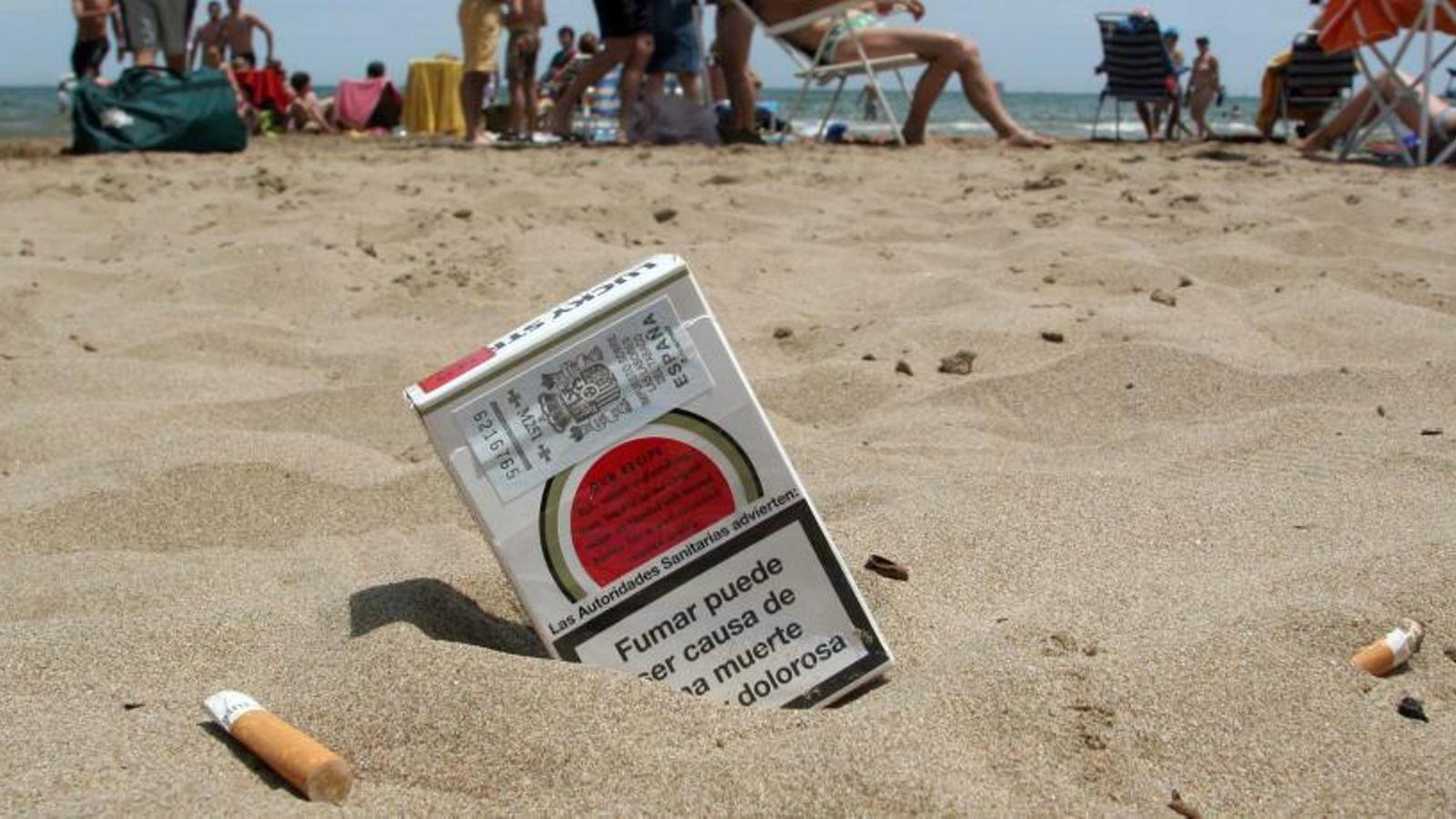 Cala Estància, cala Anguila i Sant Joan, platges sense fum