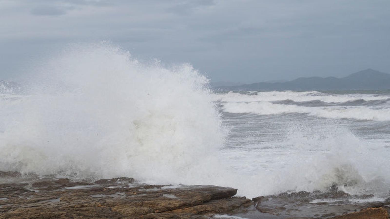 Alerta pel fort vent a Menorca i Mallorca