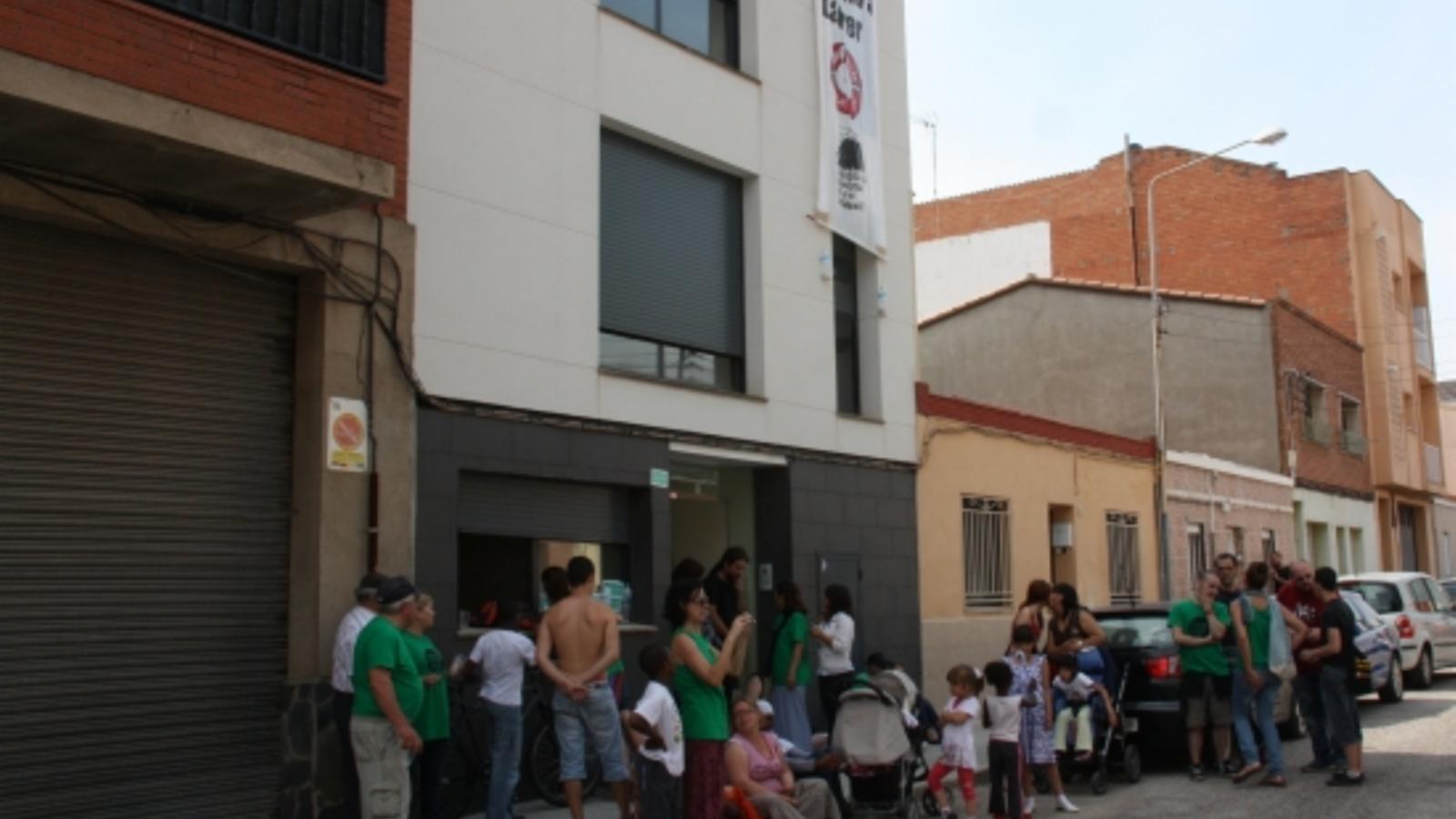 Catalunyacaixa diu que els pisos ocupats a sabadell estan en venda a baix preu - Pisos de lloguer a sabadell ...