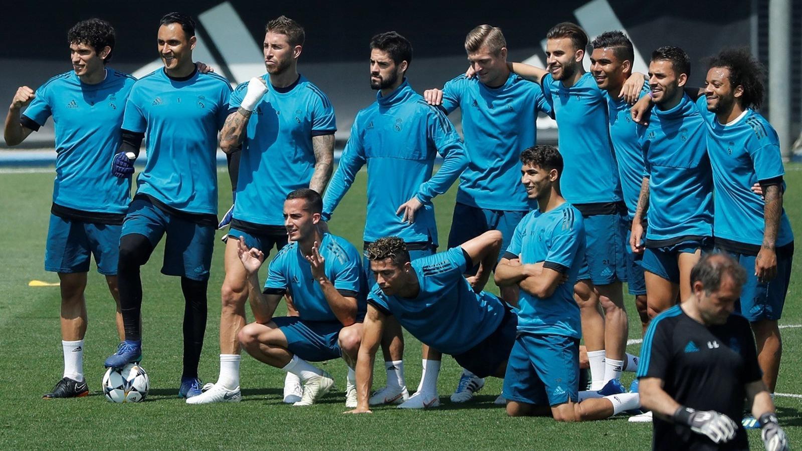 Els jugadors del Madrid, durant un entrenament