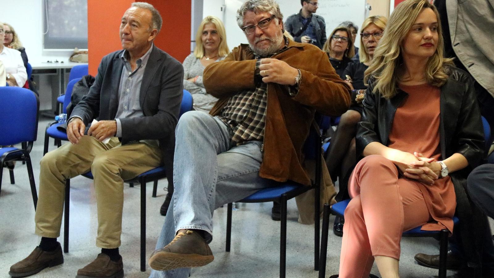 Els alcaldes del PSC Antonio Balmón i Antoni Poveda van visitar dijous els presos polítics a Lledoners