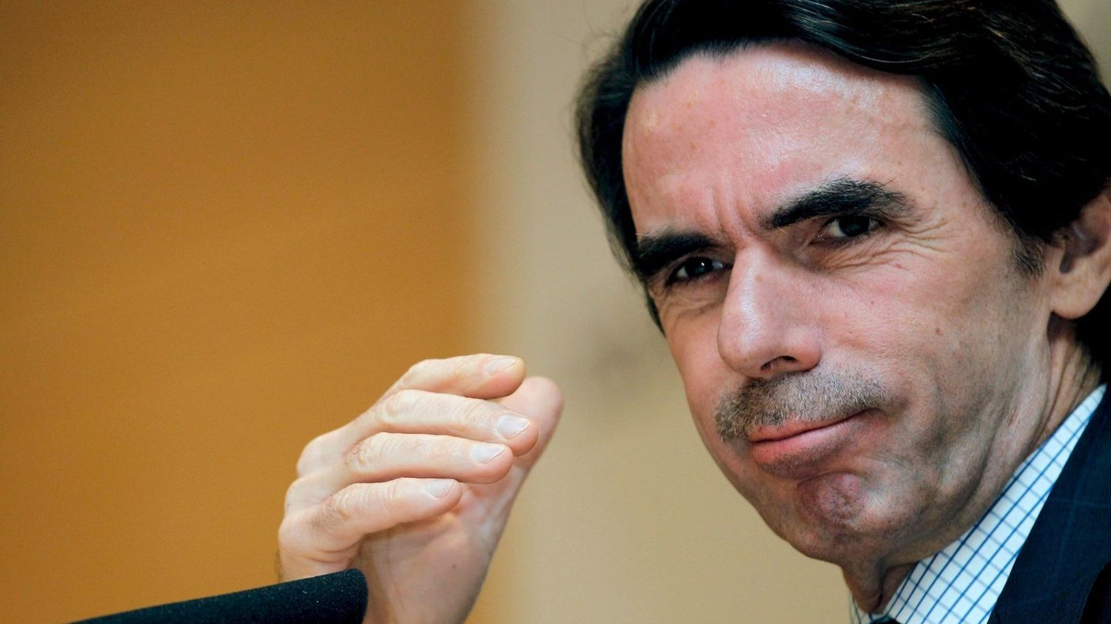 """Aznar: """"Si el PP no es renova deixarà de ser partit de govern"""""""