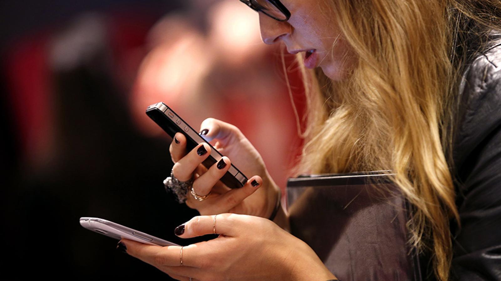 L'ús de dispositius mòbils es dispara