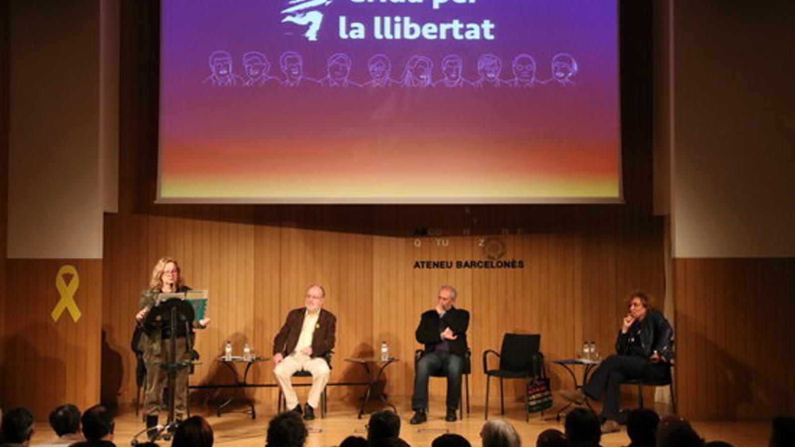 Imatge de l'acte de presentació de La Crida a l'Ateneu Barcelonès