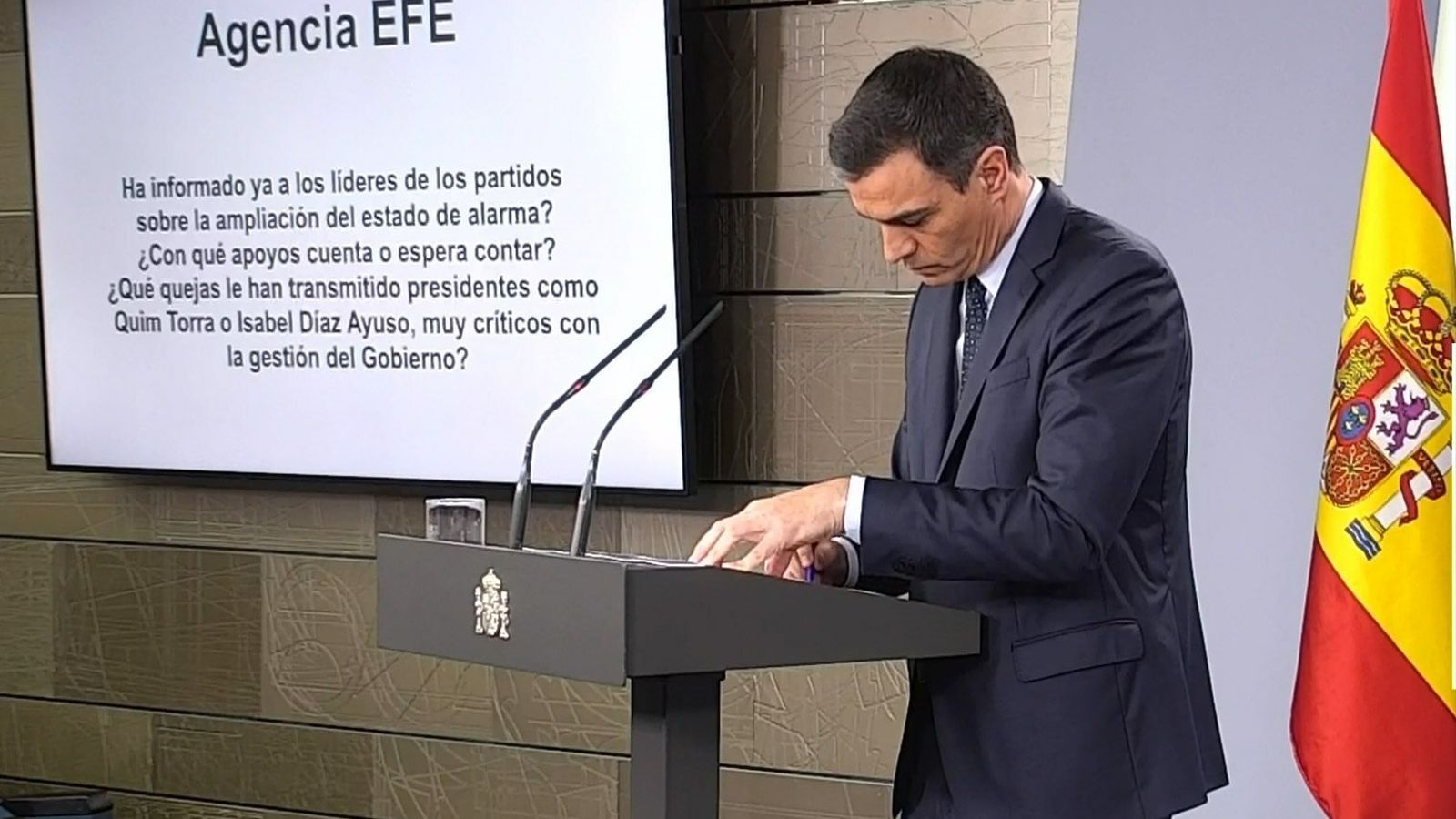 Pregunta en roda de premsa al president Pedro Sanchez de l'agencia EFE
