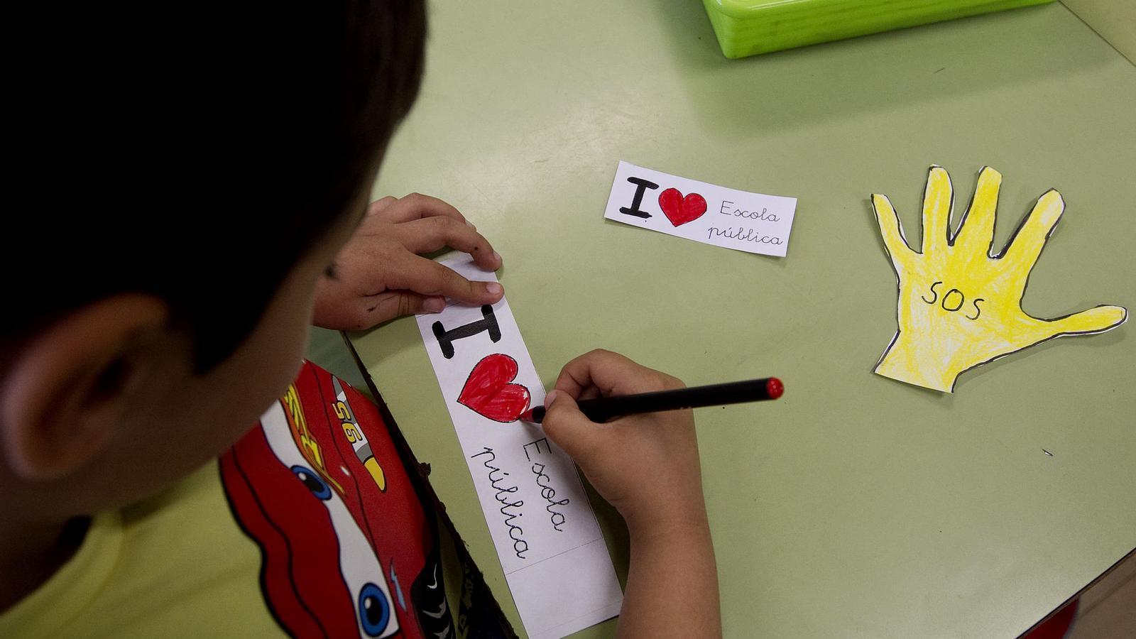 Escoles, tribunals i llengua catalana