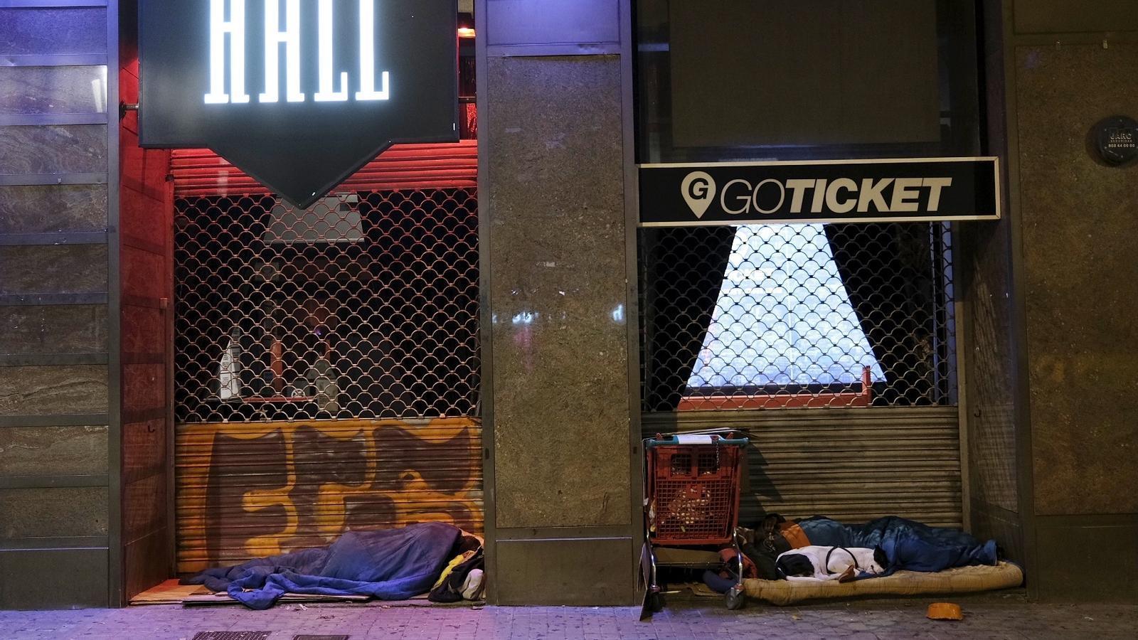 EN DIRECTE | Mossos i Protecció Civil fan balanç de la primera nit de confinament nocturn