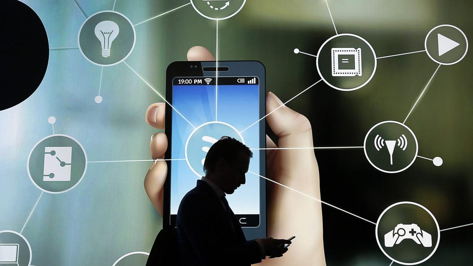 """Competència ha admès que la concentració al sector de les telecomunicacions els fa posar """"els pèls de punta""""."""