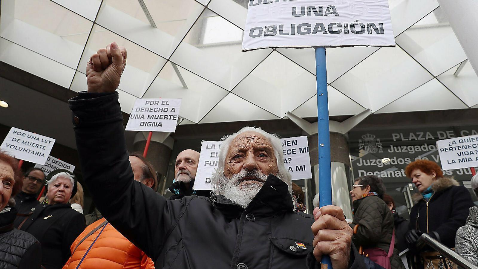 Catalunya tornarà a portar la despenalització de l'eutanàsia al Congrés