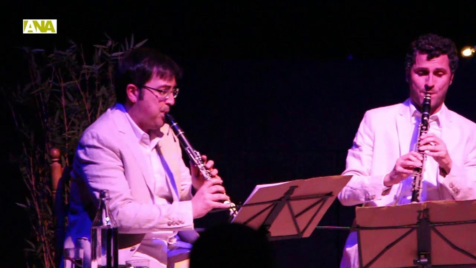 """""""Retall d'un cafè de l'Havana"""" a càrrec del trio de clarinets Ensemble una cosa rara"""