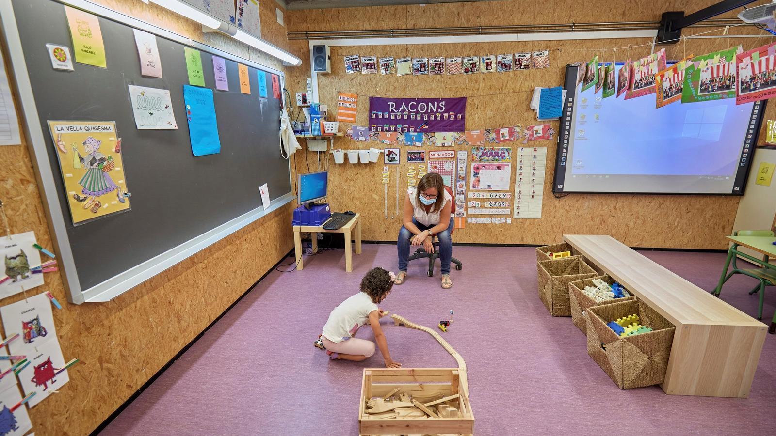 Primer dia obertura de l'escola Via-Roma de Palamòs