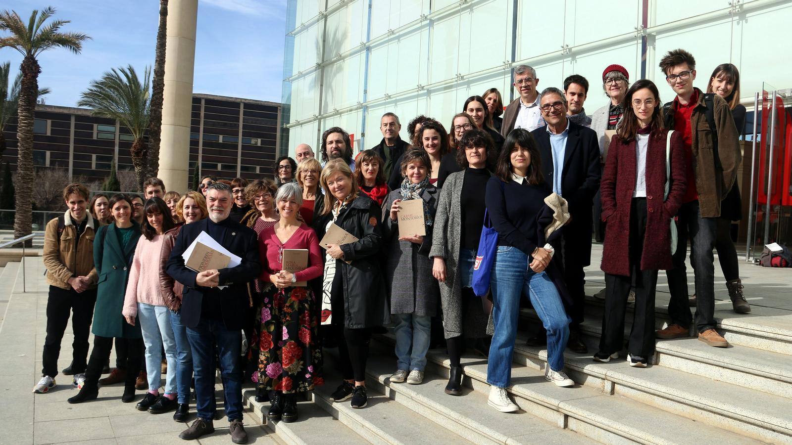 Autores, directores, actrius i actors del cicle 'Pioneres' del TNC
