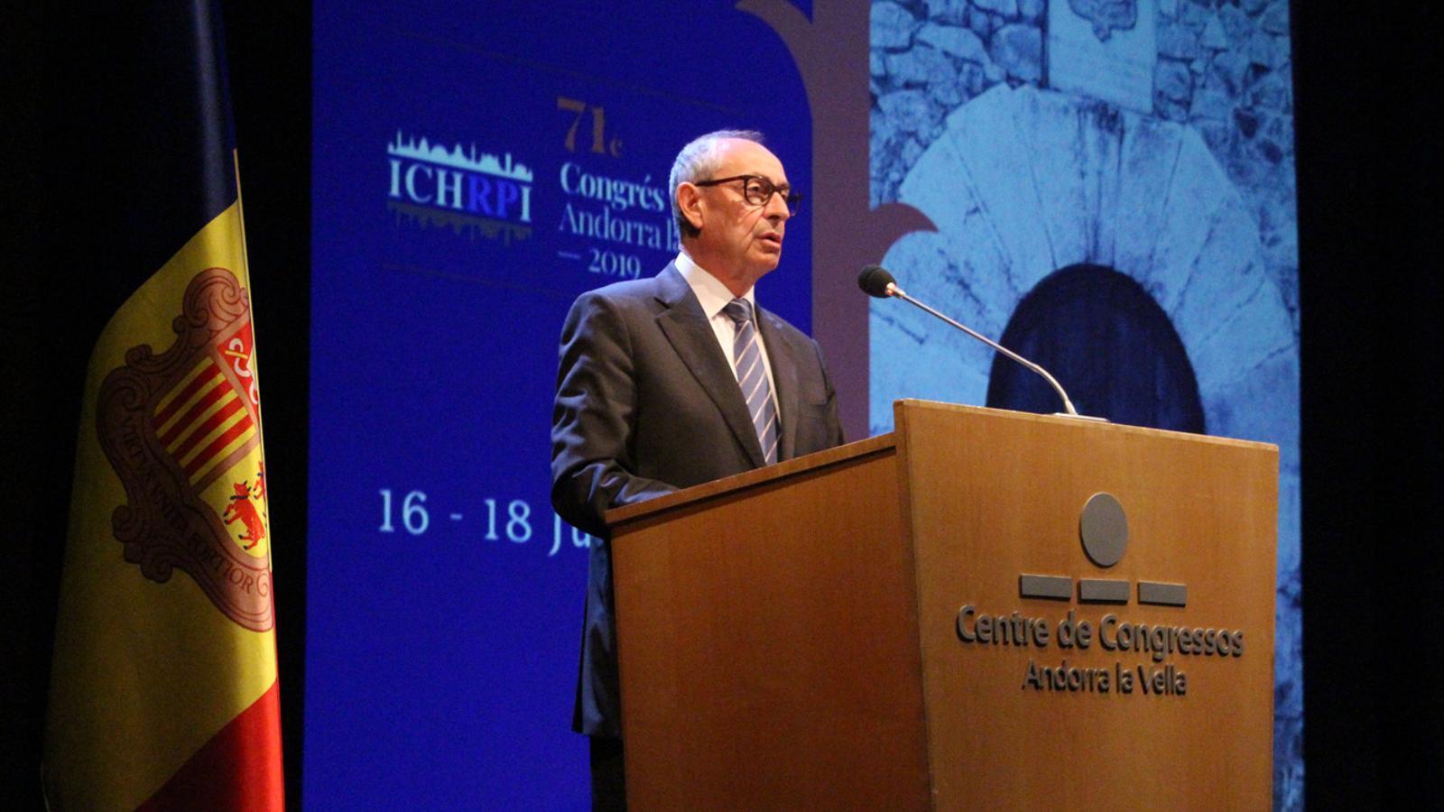 El president de la CIHAPR, Joseba Agirreazkuenaga, durant la seva intervenció. / M. P.