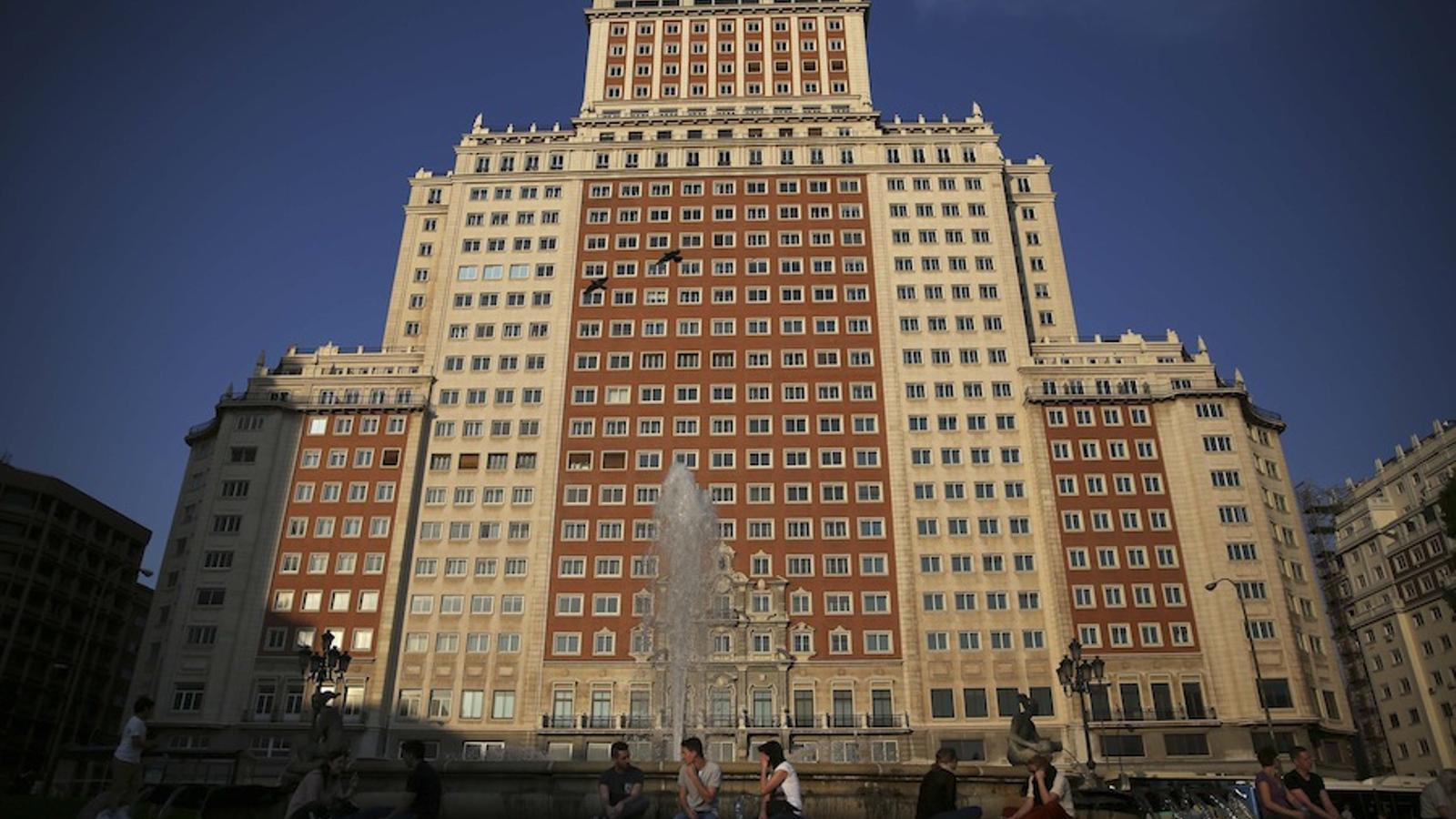 Una imatge de l'Edificio España a Madrid, que el Santander va comprar el 2005. EFE