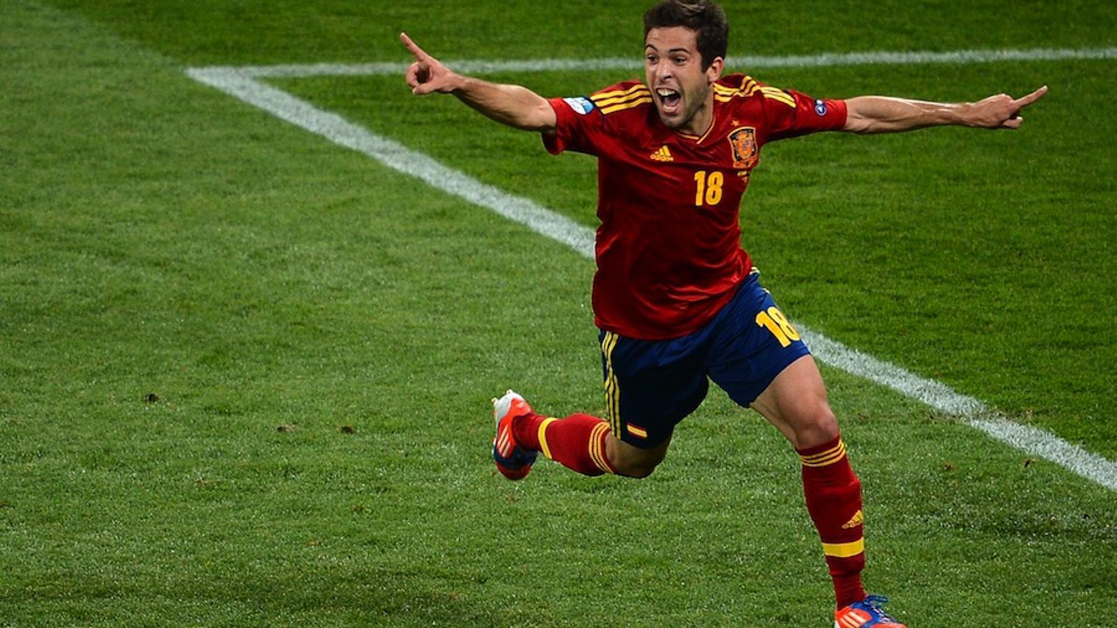 Jordi Alba, durant un partit de l'Eurocopa amb la selecció espanyola / JEFF PACHOUD / AFP
