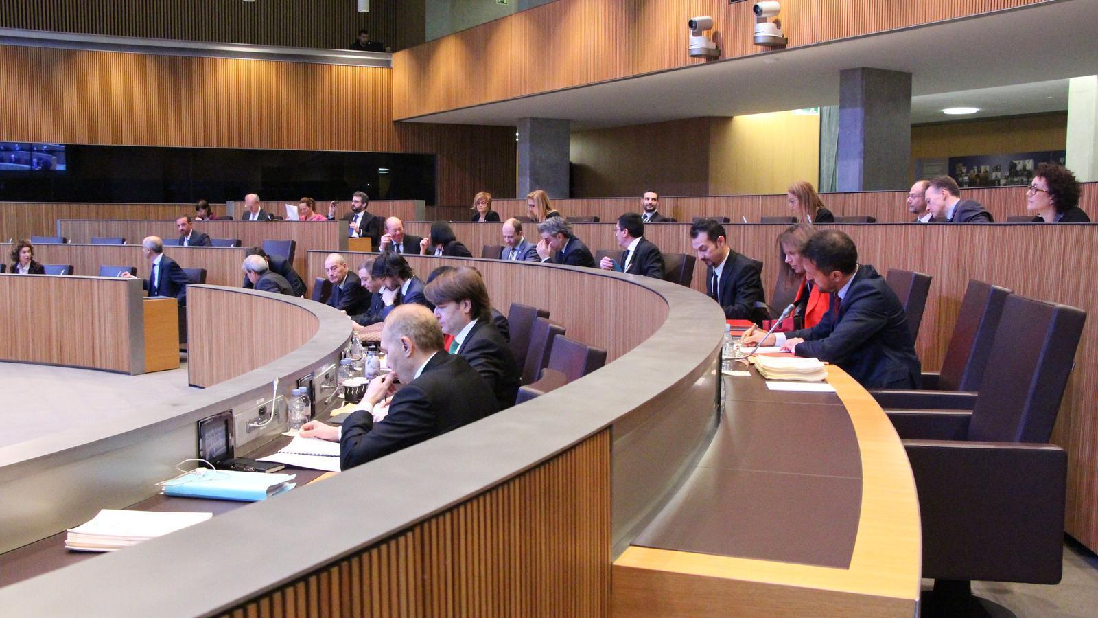 Una imatge dels consellers generals, durant la sessió de Consell General d'aquest divendres. / M. P. (ANA)
