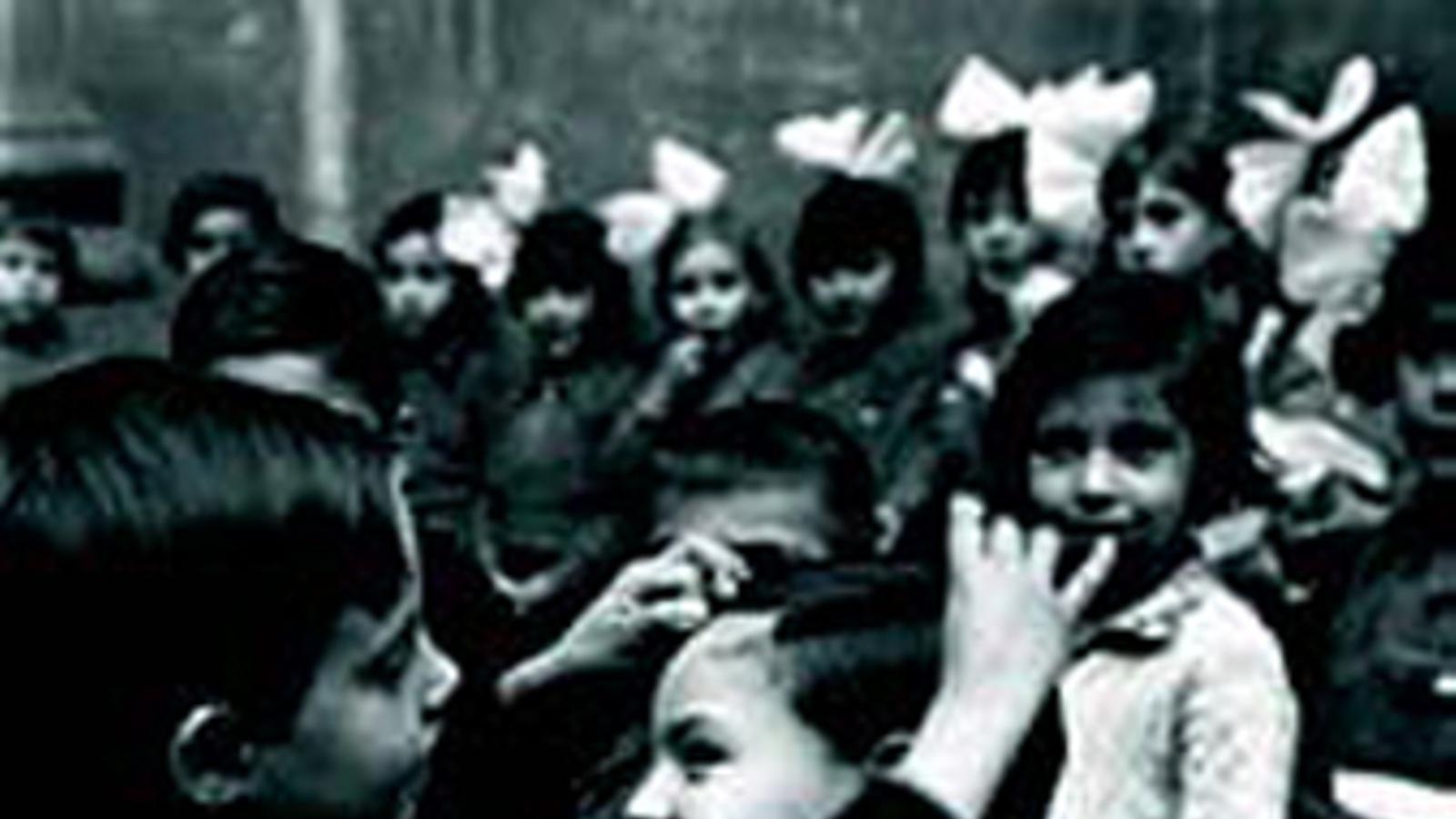 Refugiats a Sant Felip Neri el 1936 / ANC/FONS BRANGULÍ