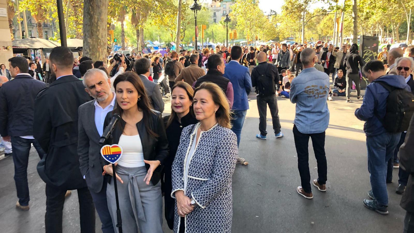 La cúpula de Cs a Catalunya convoca un acte a Universitat i acaba escridassada pels estudiants
