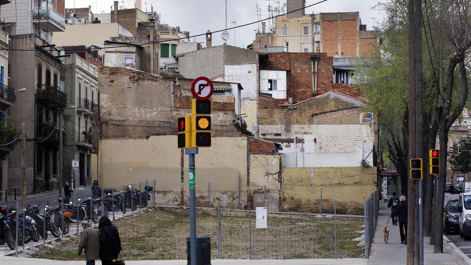 La casita blanca de 39 meubl 39 emblem tic a hort social for Meuble barcelona