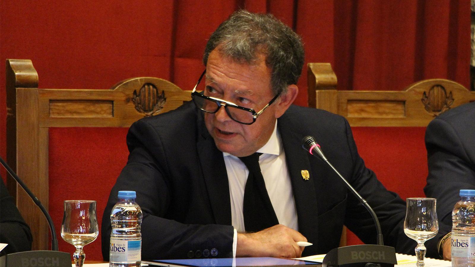 El cònsol major, Josep Miquel Vila, durant la sessió ordinària del consell de comú. / M. M. (ANA)