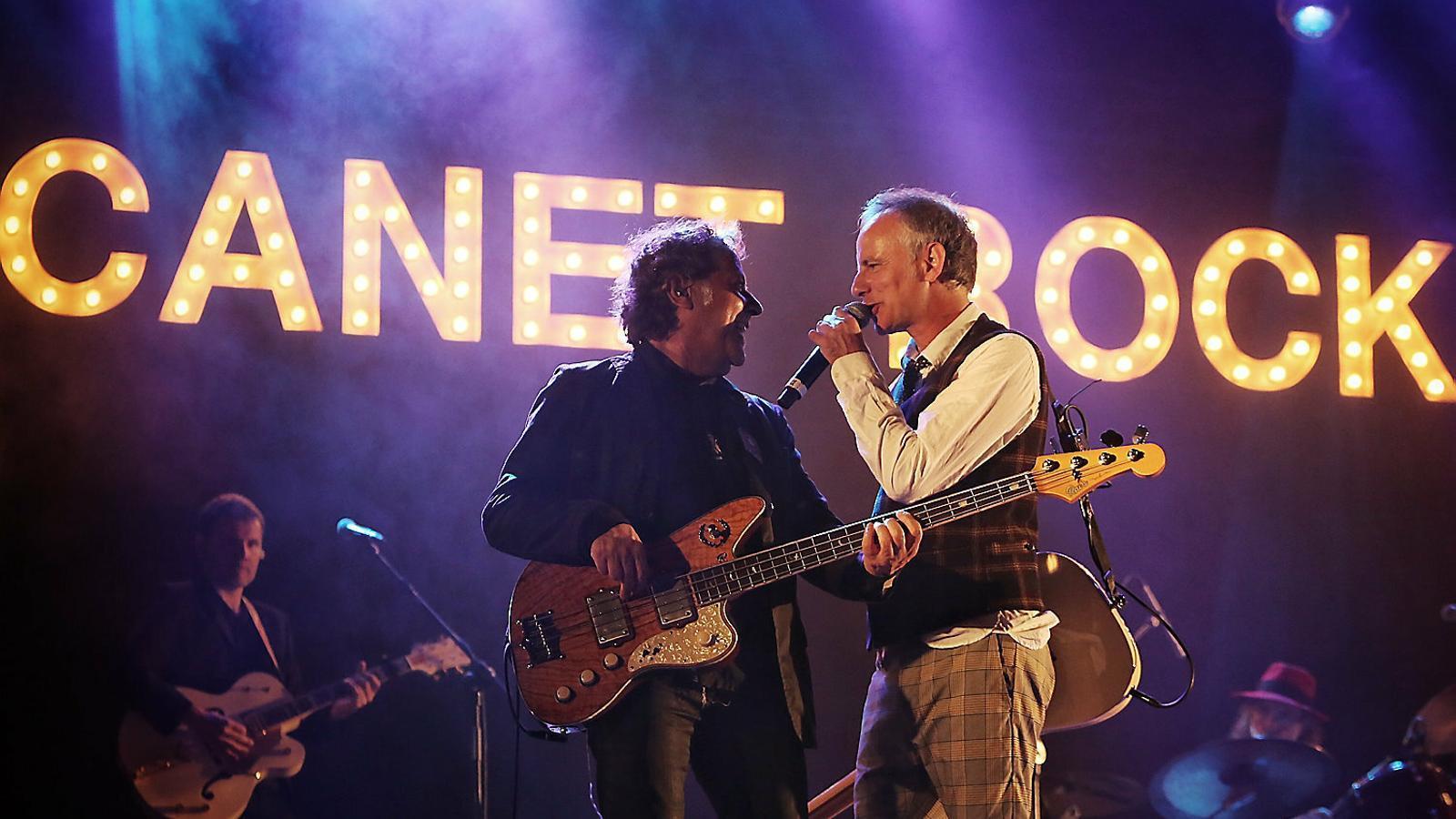 Ni la pluja atura la música i la rebel·lia del Canet Rock
