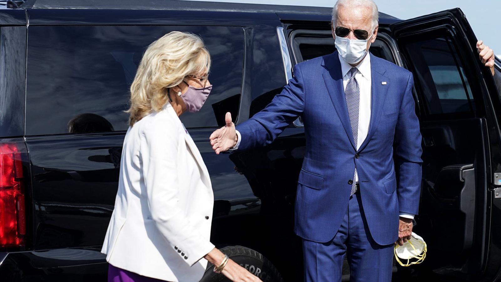 Biden es reuneix amb la família del jove tirotejat per un agent
