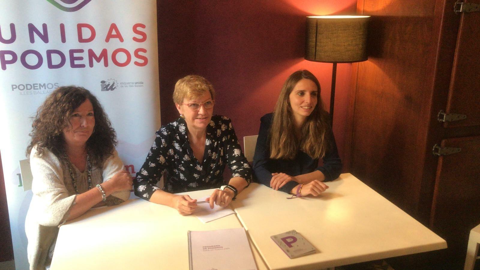 Beni Aguiló, Antònia Jover i Lucía Muñoz durant la roda de premsa d'aquest divendres
