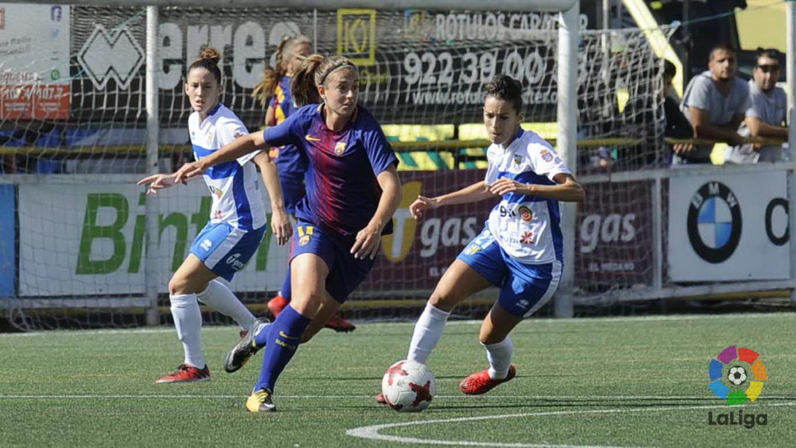Alexia Putellas intenta superar Sílvia Doblado al Granadilla-Barça